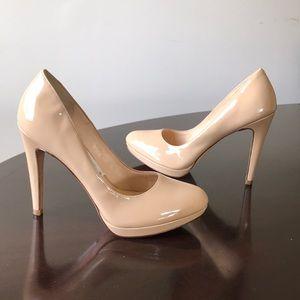 Glossy cream Cole Haan NikeAir 9.5M Roundtoe pumps